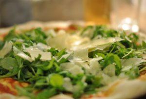 cropped-pizza-rucola-grana.jpg